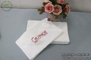 Khăn mặt khách sạn chất liệu Cotton