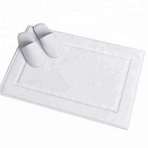 Thảm chân khách sạn giữ vệ sinh cho căn phòng